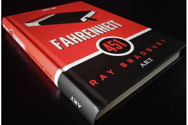 (Carte Noua) Fahrenheit 451 - Ray Bradbury (cartonata)