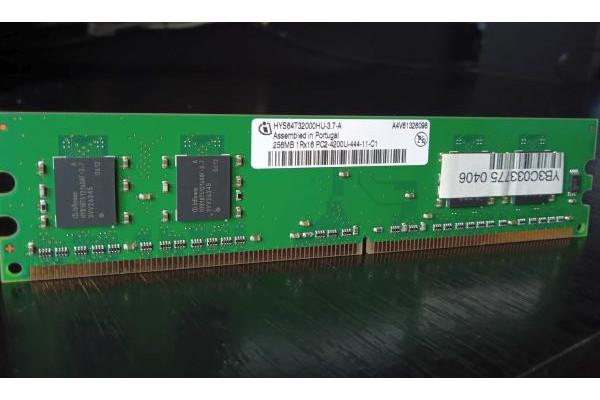 Memorie PC Infineon 256MB DDR2 533MHz PC2-4200U (Second-Hand)