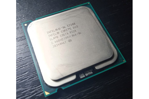 (Procesor Second-Hand) Intel Core2 Duo E7300 2,66GHz 3MB Socket 775 SLAPB Wolfdale (2006)