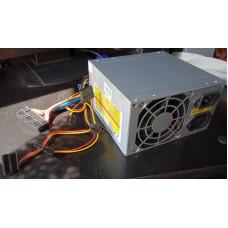 (Sursa PC Second-Hand) 500-ATX 500W 20/24 pini 2xSATA 2xMOLEX 1xAUX 4pini