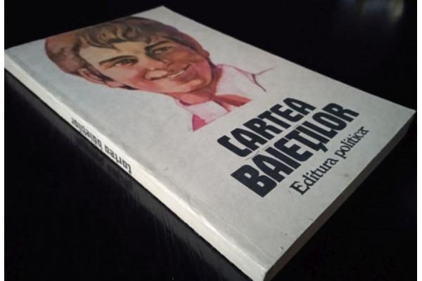 (Carte Veche) Cartea baietilor (1982)